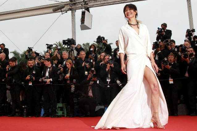 Cannes: Sophie Marceau incidente sexy, mutande in bella vista