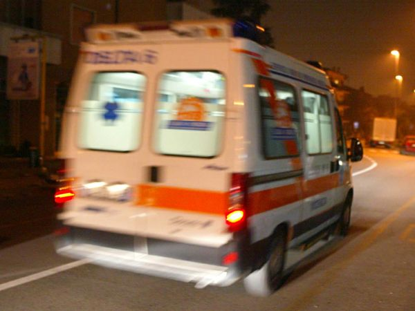 Ladispoli (Roma): incidente mortale in via Settevene Palo (Palo Laziale), muore una donna.